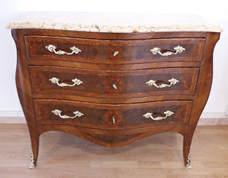 Italian Louis XV chest of drawers, 1920