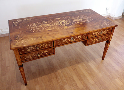 Vintage italian Louis XV desk and chair, 1920
